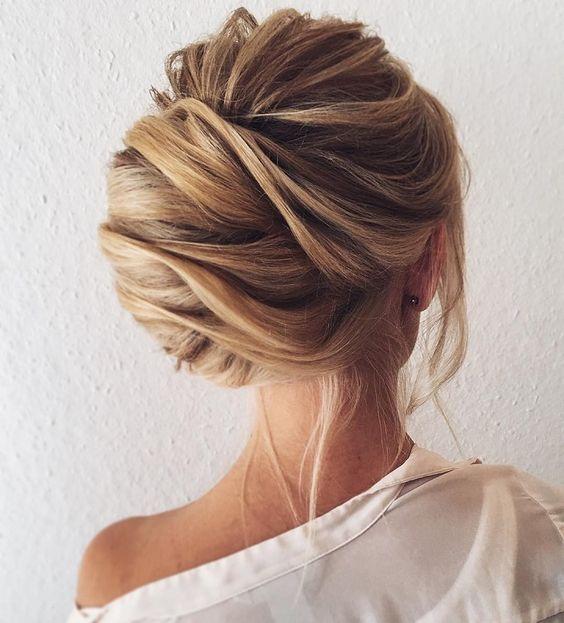 Twist Blond Rolls with Short Hair